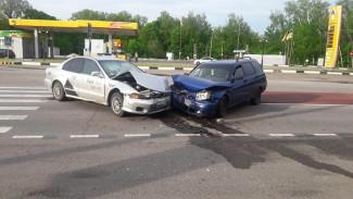 В Воронежской области такси устроило аварию на встречке: пострадал человек