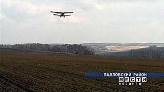 """Хозяйство """"Апротек"""" стало удобрять почву ядохимикатами с помощью самолетов"""