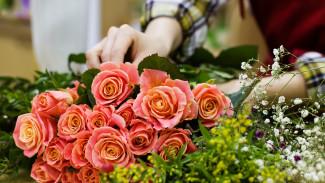 В Воронеже пьяный бомж полоснул ножом продавщицу цветочного киоска