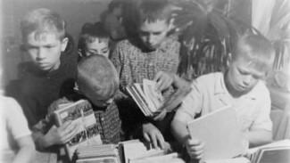 Очереди в магазины и библиотеки. Как доставали книги в советском Воронеже