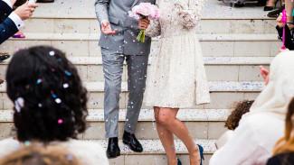 В Воронеже за сбыт наркотиков будут судить молодожёнов, пойманных у ЗАГСа в день свадьбы