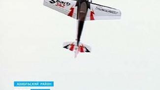 В небе над Хохольским районом летали десятки самолётов