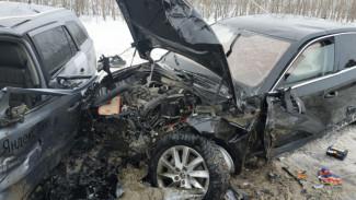 Под Воронежем в случившемся из-за заноса массовом ДТП пострадали 4 человека