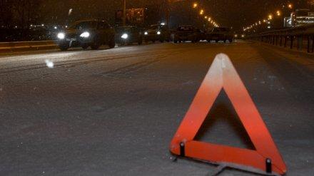 В ДТП с двумя иномарками в Воронежской области 1 человек погиб и 2 пострадали