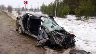 В Воронежской области в лобовой аварии 1 человек погиб и 2 пострадали