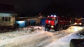 Тело 30-летнего мужчины нашли в сгоревшем сарае в Воронежской области