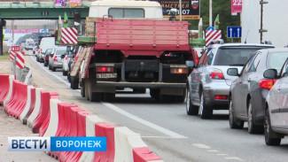 Неработающий светофор спровоцировал 4-килиметровую пробку в Воронеже