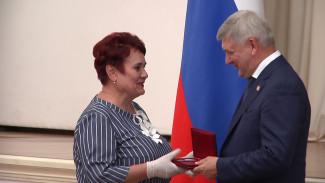 Воронежцам вручили государственные и региональные награды