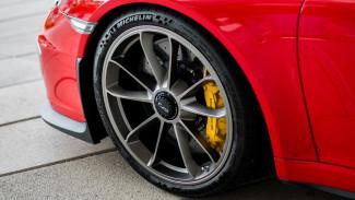Меха, шансон, Porsche и килограммы женского тротила