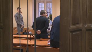 В Воронеже утвердили первый приговор полицейскому за незаконный обыск