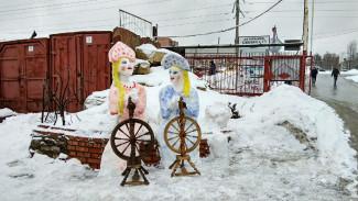 Воронежец создал на авторынке новую снежную скульптуру