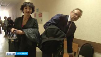 В Воронеже адвокат «с зелёным блокнотом» признала вину в конце судебного процесса
