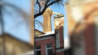 Воронежцы сняли на видео уничтожение трубы старинного хлебозавода