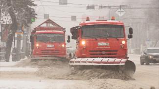 Пробки и заваленные парковки. Как воронежцев спасали из снежного плена