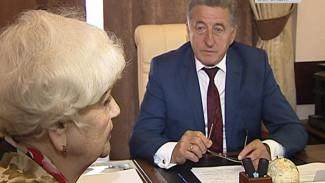 Сенатор Сергей Лукин провёл приём граждан в Воронеже