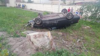 В Воронежской области пьяный водитель без прав перевернулся на «десятке»: пострадали трое