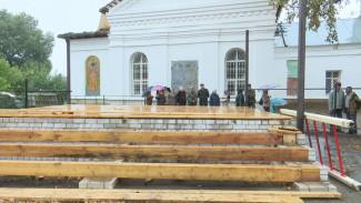 Жителей воронежского микрорайона возмутили «танцы на костях» у храма