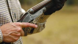 В воронежском селе пенсионер застрелил соперника и попытался убить бывшую подругу