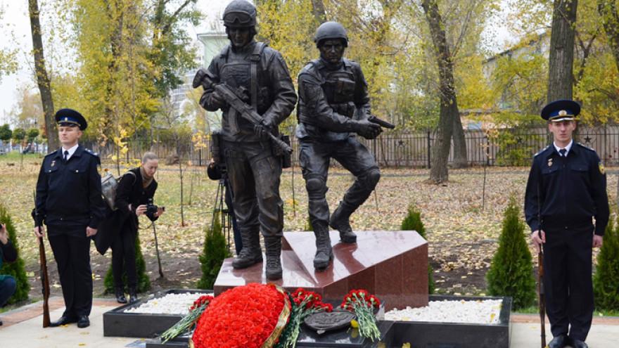 В Воронеже открыли памятник бойцам спецназа
