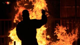 В Воронежской области особо опасный преступник избил ломом соседей и спалил 4 дома