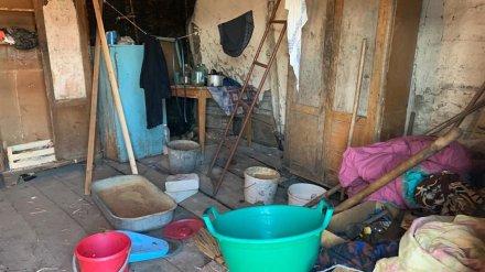В воронежском селе разъярённый мужчина до смерти забил 76-летнюю мать