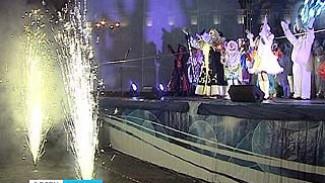Новый год Воронеж встретил с огоньком, но без снега