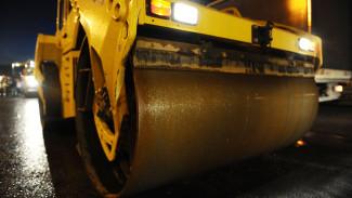 В Воронеже водитель легковушки разбился насмерть, влетев в асфальтовый каток
