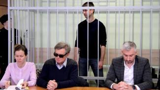 Подозреваемый во взятке в 1,5 млн рублей бывший вице-мэр Воронежа потерял работу