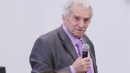 Умер известный воронежский преподаватель и журналист Лев Кройчик