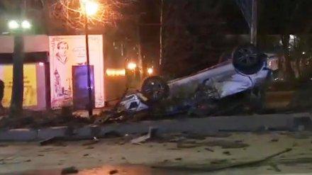 В Воронеже нашли сбежавшего водителя перевернувшейся в центре города иномарки
