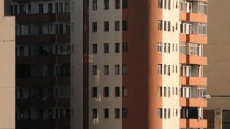 В Воронеже под окнами 12-этажки нашли труп мужчины