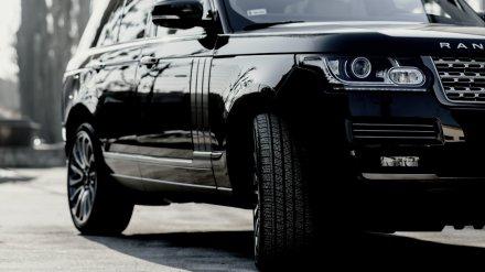 В Воронеже элитный внедорожник сбил двух пешеходов