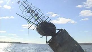 На воронежском водохранилище начался демонтаж брига «Меркурий»