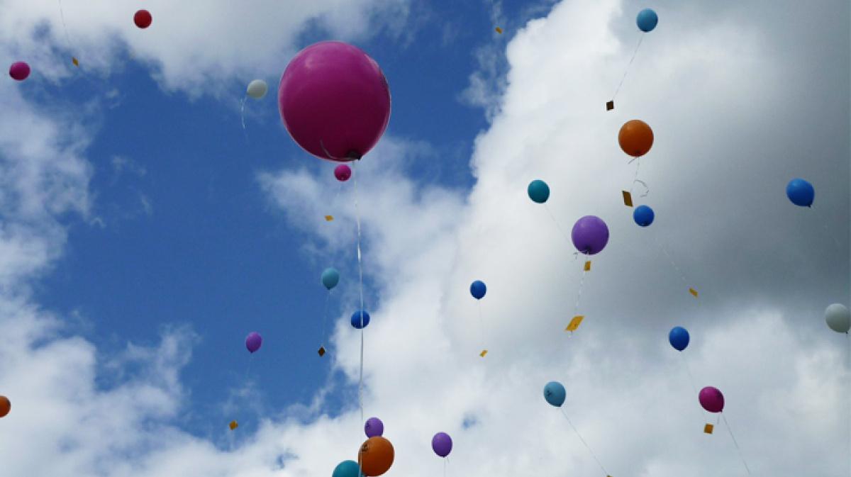 семьи последнего гелевые шары в небе картинки повернув корпус