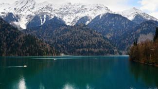 Турист из Воронежа потерялся в лесу у озера Рица в Абхазии