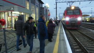 Женщину с подозрением на коронавирус сняли с поезда в Воронежской области