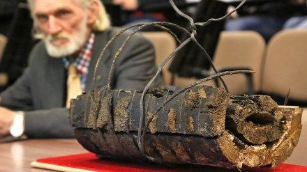 Фрагмент найденной в Воронеже деревянной канализации стал музейным экспонатом