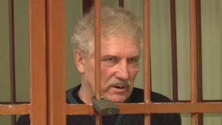 В Воронежской области начался суд над баянистом, застрелившим нового ухажёра любовницы