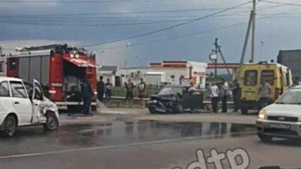 Под Воронежем в крупном ДТП с участием двух авто пострадали четыре человека