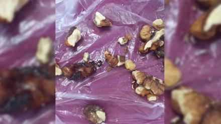 Жительница Воронежа нашла клеща в купленных орехах