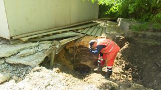 Воронежскую школу затопило фекалиями из-за незаконно установленного гаража