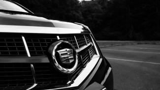 В Воронежской области Cadillac переехал сбитого фургоном пешехода