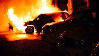Воронежец облил бензином и поджёг Mercedes отца за отказ встретиться