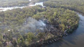 Причиной крупного пожара в рыбацком посёлке под Воронежем назвали поджог