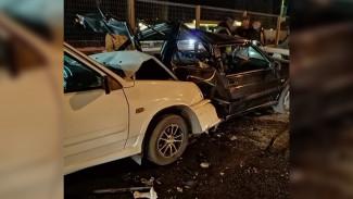 В ДТП с 6 машинами на участке трассы М-4 «Дон» под Воронежем пострадали 2 девочки