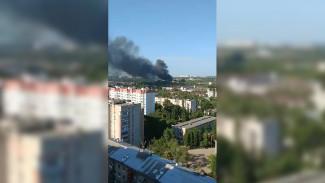Воронежцев напугали поднимающиеся на десятки метров клубы чёрного дыма