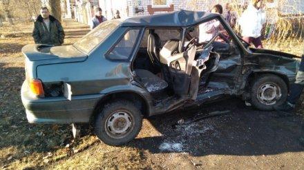 В ДТП на перекрёстке в Воронежской области пострадали пять человек