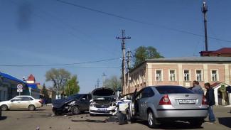 В Воронежской области пять человек попали в больницу после ДТП с участием машины ГИБДД