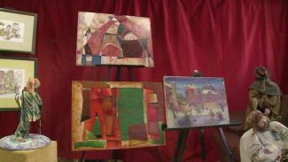 Восемь российских художников представили в Воронеже графические головоломки