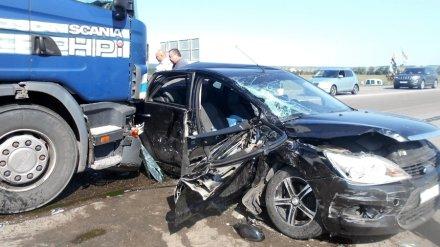 В Воронежской области в ДТП с 5 машинами пострадала женщина с ребёнком